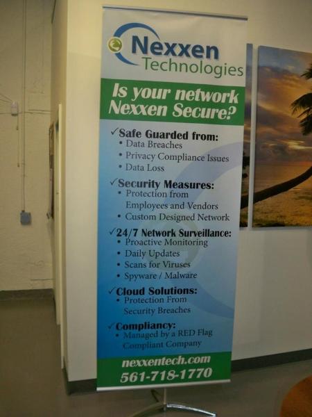 nexxen-banner-stand