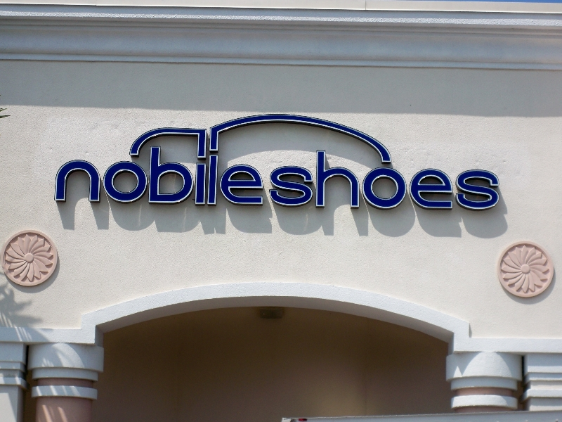 nobileshoes-channel-letter-sign
